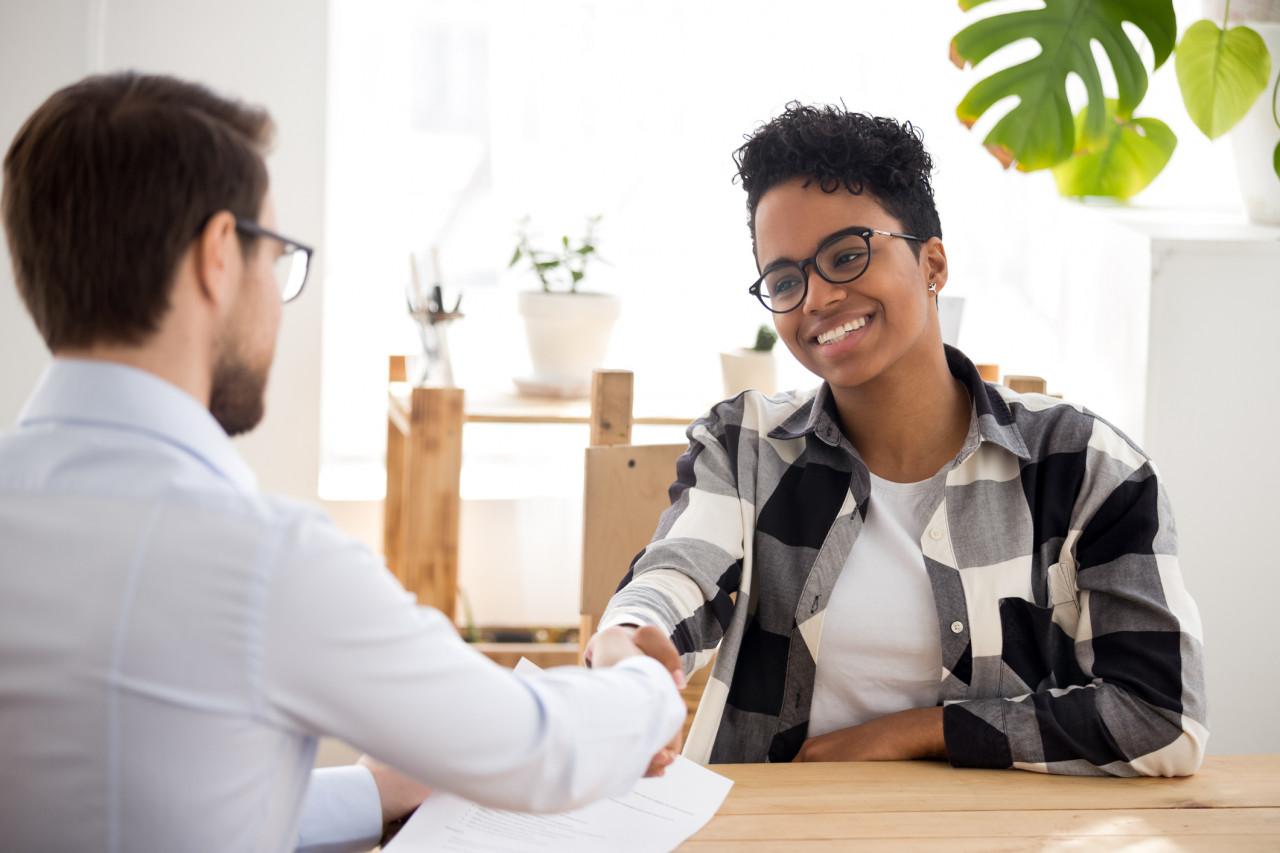 Entretien d'embauche: Que répondre à la question «Parlez-moi de vous»?