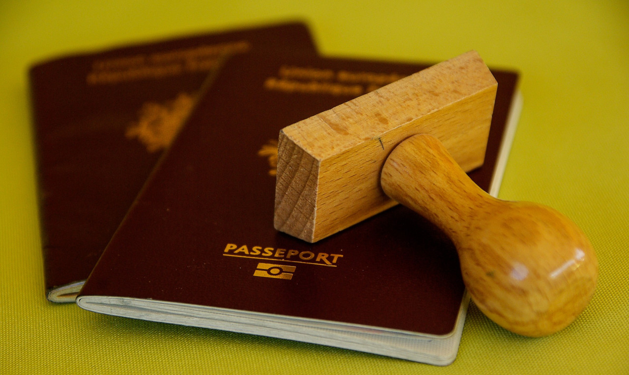 Comment faire une première demande de passeport pour un mineur ?