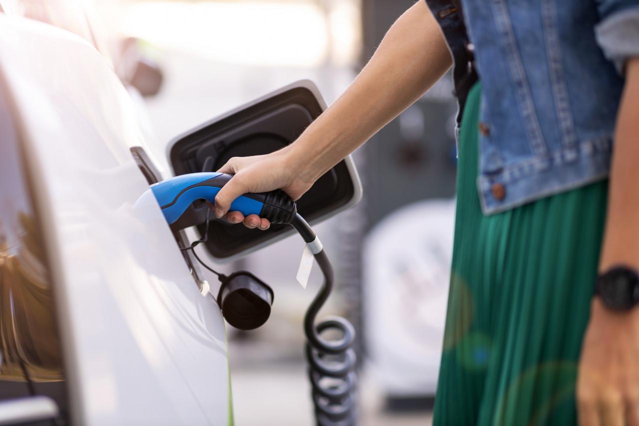 Les aides à l'installation d'une borne de recharge pour une voiture électrique