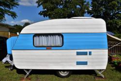 Stationnement et installation d'une caravane : les règles à respecter