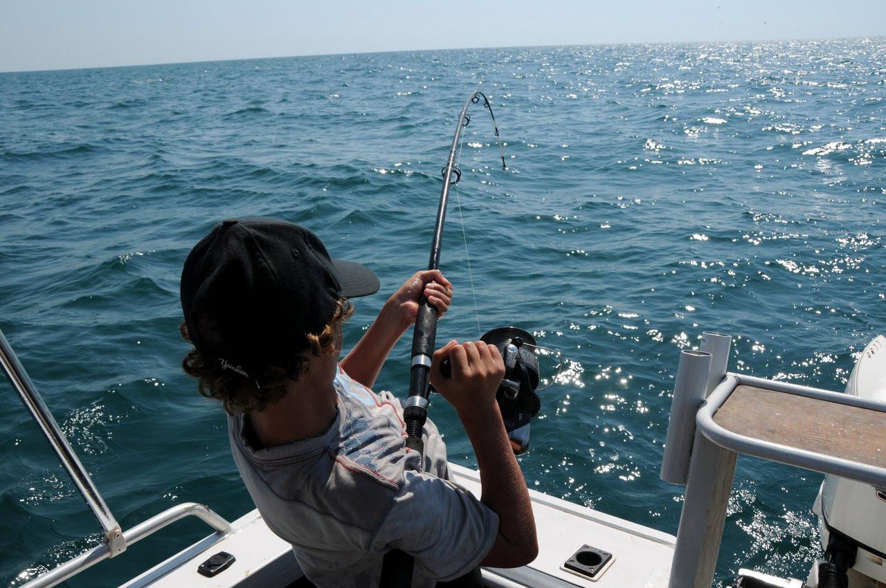 Pratiquer la pêche de loisir en mer : les règles à respecter