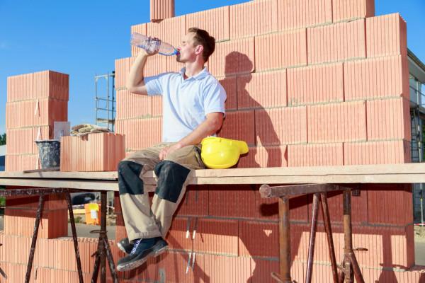 Exercer son droit de retrait au travail en période de canicule