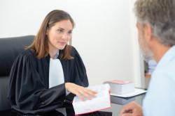 Conseils pour bien choisir son avocat