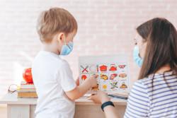 Une nouvelle attestation de déplacement pour la garde d'enfants