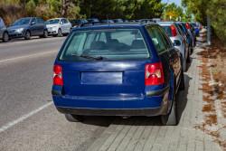 Se garer sur le trottoir : est-ce légal ?