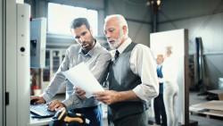 Continuer de travailler tout en percevant votre retraite