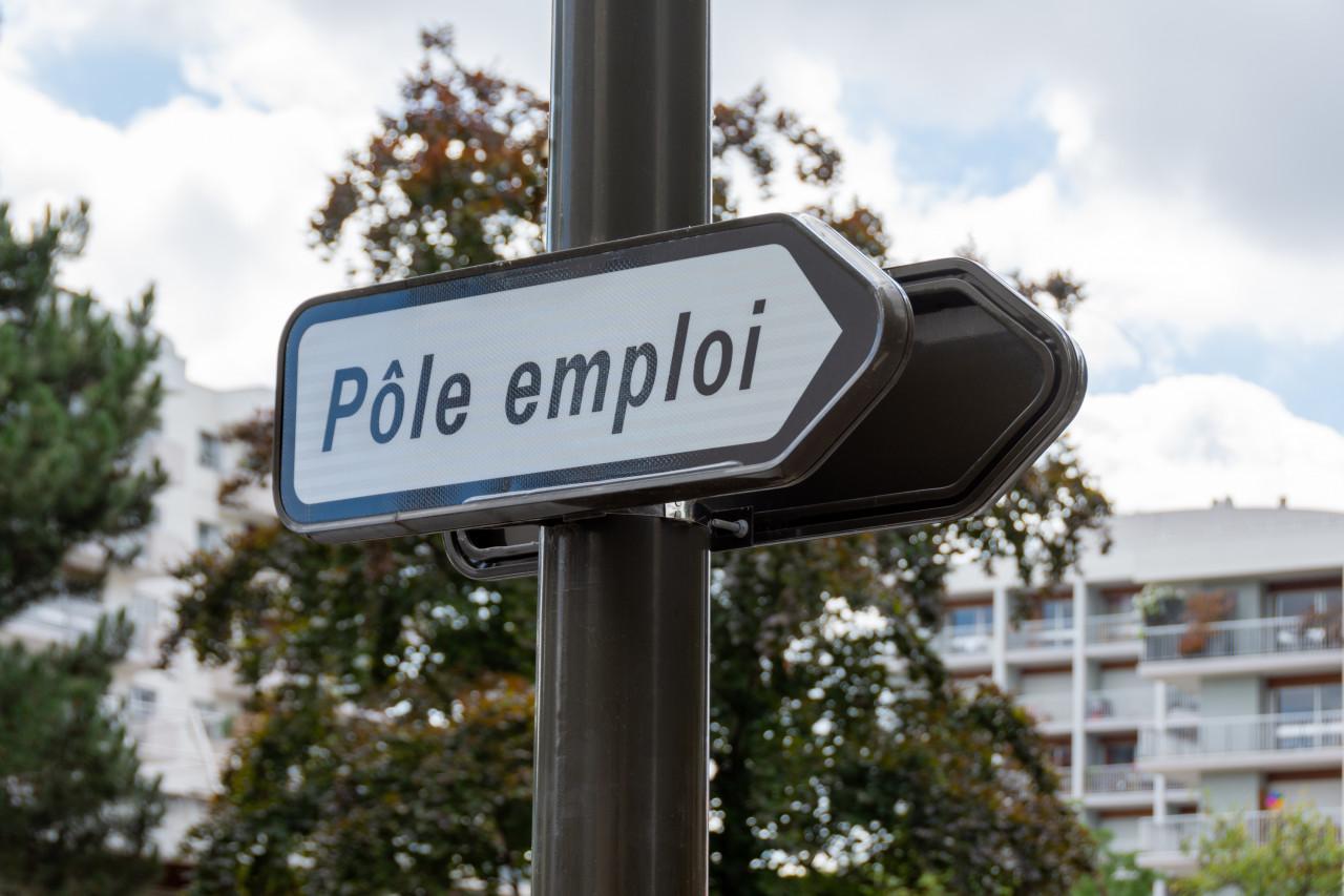 Comment faire quand on est radié de Pôle emploi&nobreak&?