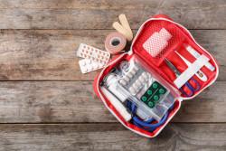 Vacances : les indispensables de la trousse à pharmacie