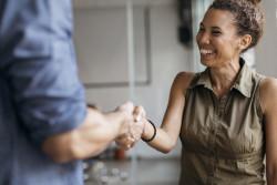 Conditions de titularisation d'un agent employé par un Pacte