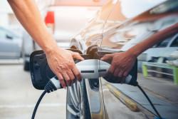 Prime à la conversion, bonus écologique : les aides pour l'achat d'un véhicule électrique