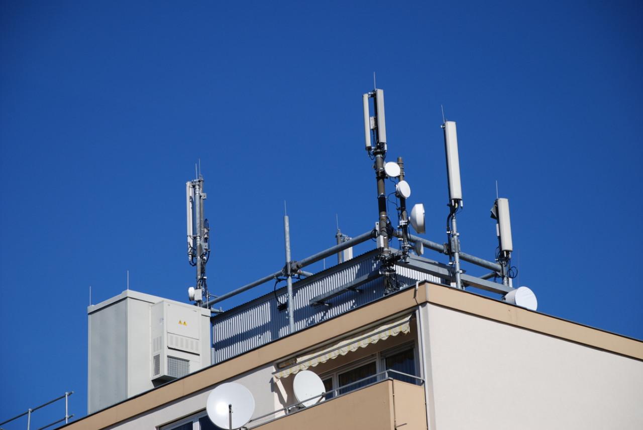 Exposition ondes électromagnétiques : mesure et protections