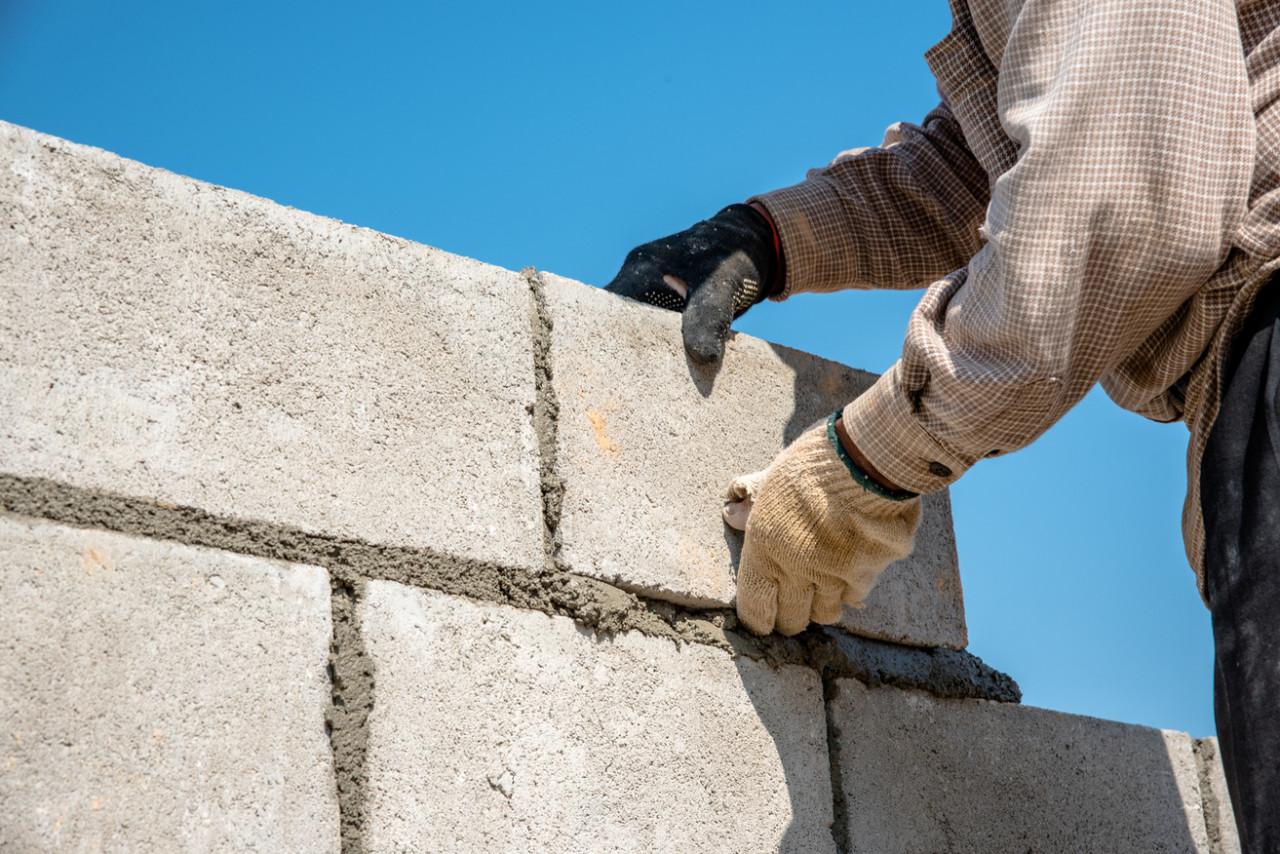 Une autorisation est-elle nécessaire pour la construction d'un mur mitoyen ?