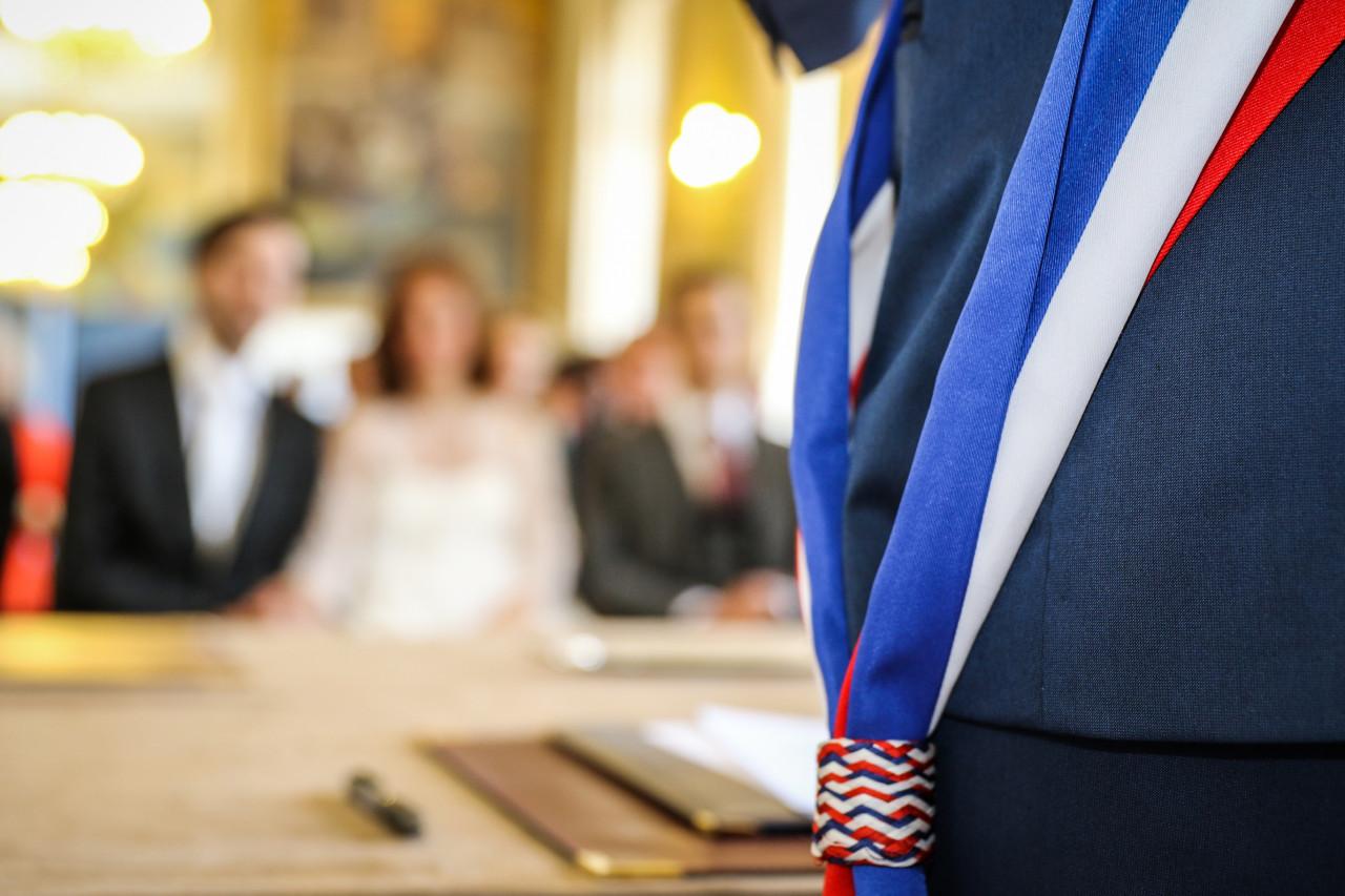 Les maires et leurs adjoints peuvent obtenir leur carte d'identité d'élu