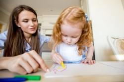 Comment faire garder ses enfants à domicile ?