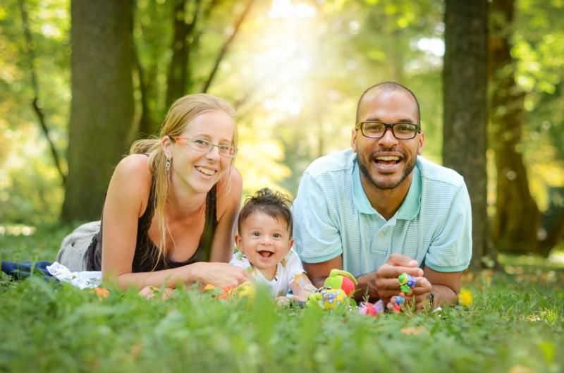 Demander la prime à l'adoption : bénéficiaires, conditions et montant