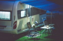 Peut-on installer une caravane ou un mobil home dans son jardin ?
