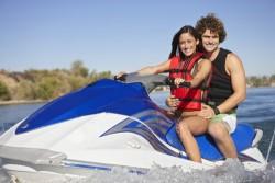 Conduire un scooter de mer, jet ski : les règles de navigation