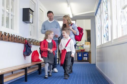 École maternelle et primaire : droit des parents d'être informé sur la scolarité de leur enfant