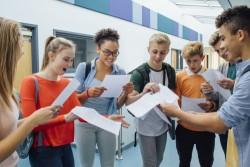 Collège et lycée : mise à jour quotidienne du cahier de textes numérique
