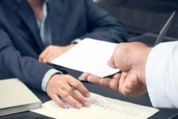 La démission ouvre-t-elle droit aux allocations chômage ?