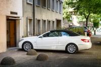 Véhicule: peut-on se garer devant son garage?
