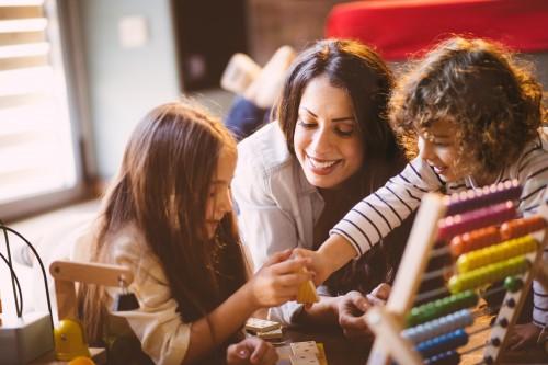 Reprise d'activité : comment obtenir l'aide à la garde d'enfants pour parent isolé (AGEPI)?