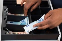 Refuser un paiement en espèce : est-ce possible?