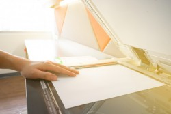 Acte de propriété perdu : demander un duplicata au notaire qui l'a rédigé ou au service de la publicité foncière