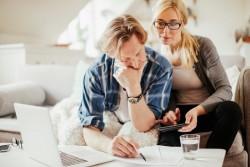 Visite d'un huissier : erreurs à éviter et recours possibles