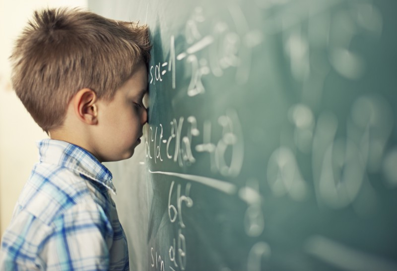 Élaboration d'un Programme personnalisé de réussite éducative (PPRE) pour aider les élèves des écoles et collèges à surmonter leurs difficultés d'apprentissage