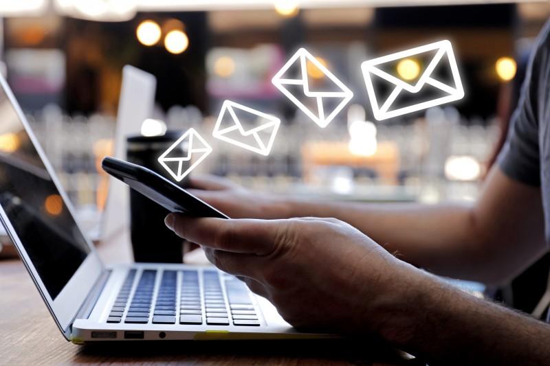 Trouver l'adresse mail d'un recruteur: se servir du nom de domaine de l'entreprise