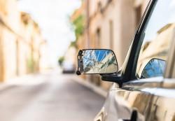 L'escroquerie au rétroviseur cassé : les conseils de la Police nationale